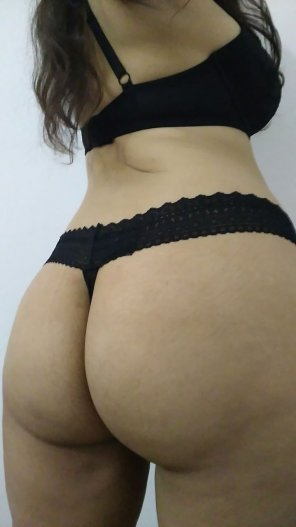 amateur photo Shy Submissive is having a good ass day