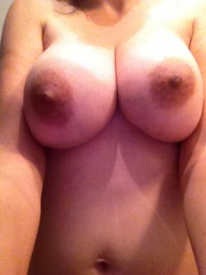 amateur photo [Image] She loves showing them off