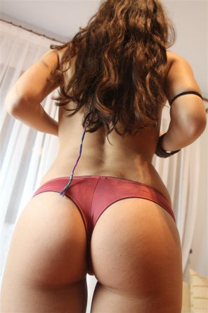 amateur photo PictureYummy boooty