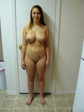amateur photo Fully nude