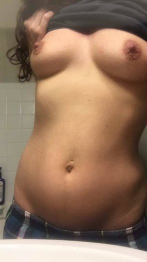 amateur photo Feeling down about myself lately, sorry for my absence[f26]