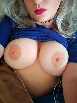 amateur photo My big tits show is live! Watch them :) S ● C - susan3676