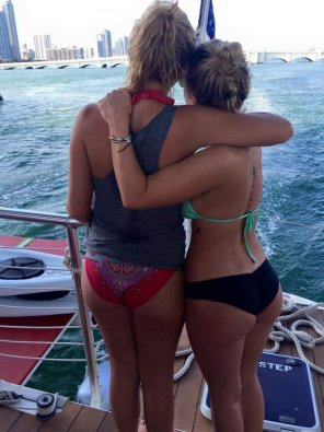 amateur photo Sisters enjoying the view: