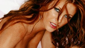 amateur photo Angie Everhart.