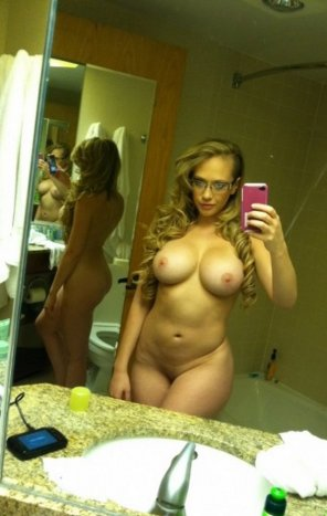amateur photo Curvy Girl selfie