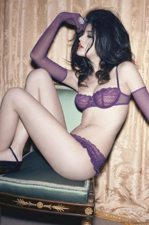 amateur photo Purple lingerie