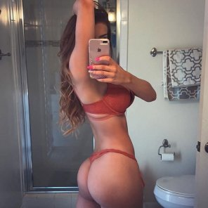 amateur photo Wow she has a nice bathroom