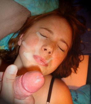 amateur photo Creamy Heavy Load in her Face