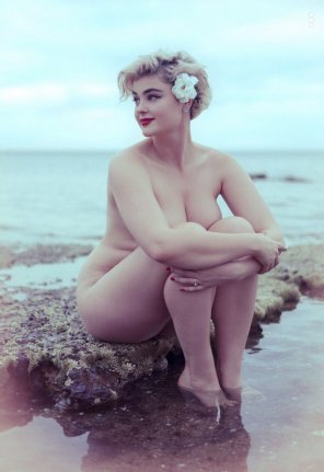 amateur photo Stefania Ferrario. Australian Suicidegirl