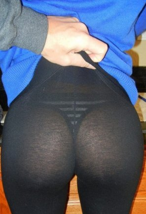 amateur photo Seethru yoga pants