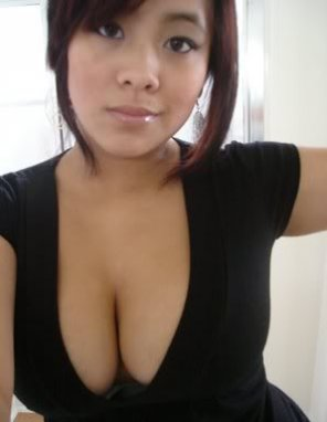amateur photo Hot Asian Cleavage.