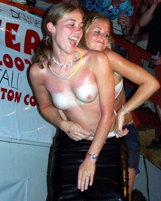 Female discreet orgasm
