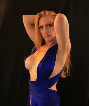 amateur photo Blue wrap