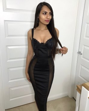 amateur photo PictureBlack Dress