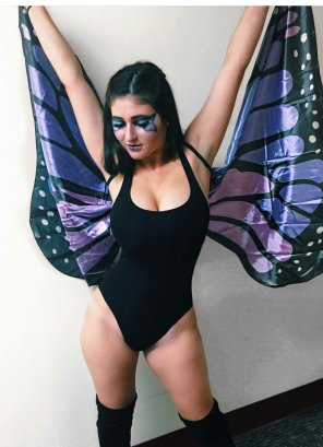 amateur photo Busty butterfly