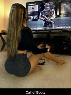 amateur photo Gamer girl...