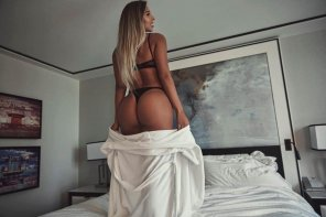 amateur photo Standing in bed