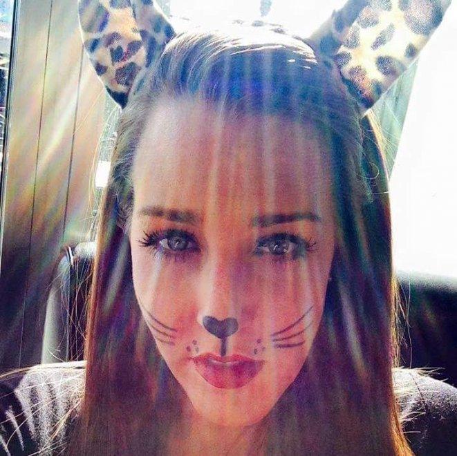 Meow Porn Photo