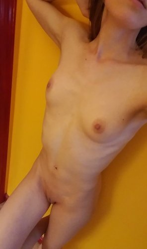 amateur photo Original ContentHelp, I'm very horny today!