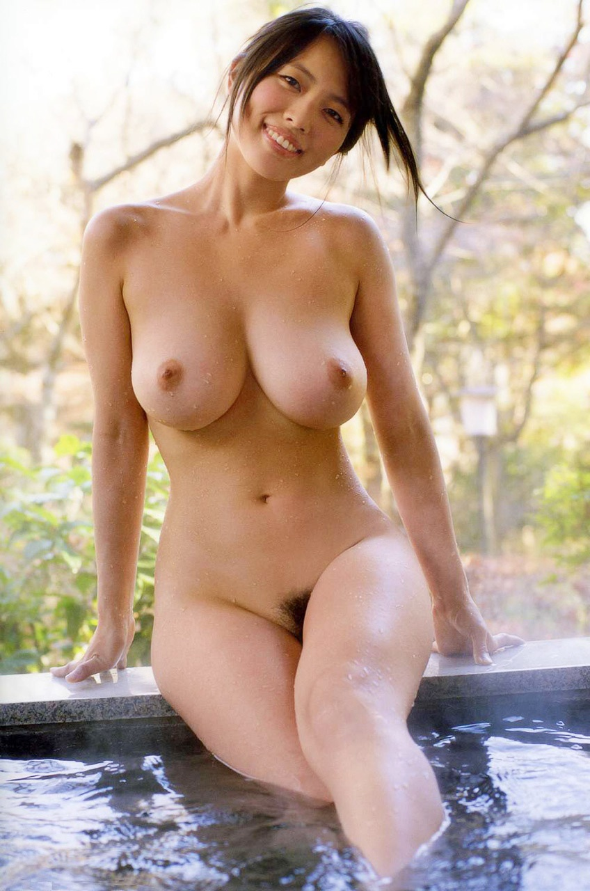 Big Tits Skinny Dip Porn Photo