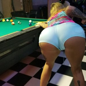 amateur photo I wanted to play billiards