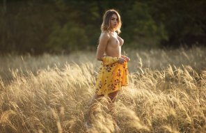 amateur photo Yellow Babe ❤