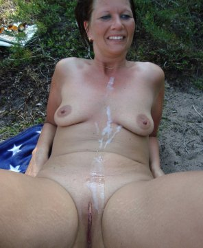 amateur photo Cumshot in the nature