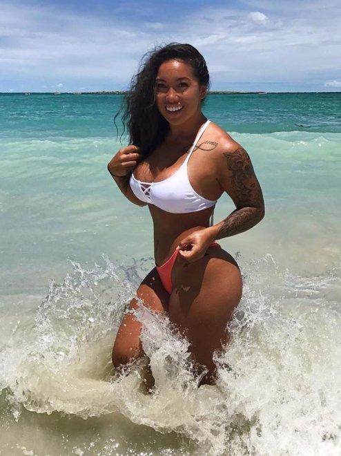 PictureThiccc Hawaiian Porn Photo