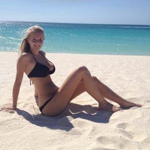 amateur photo Blonde beach beauty