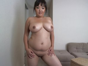 amateur photo When I think of juicy Asians, I like em like this ;)