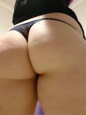 amateur photo Nice and close 🍑🍑