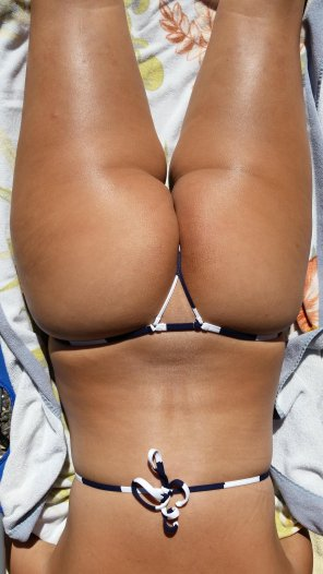 amateur photo Her g-string bikini makes for an awesome Sunday Funday