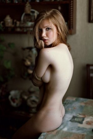 amateur photo Blond in the kitchen