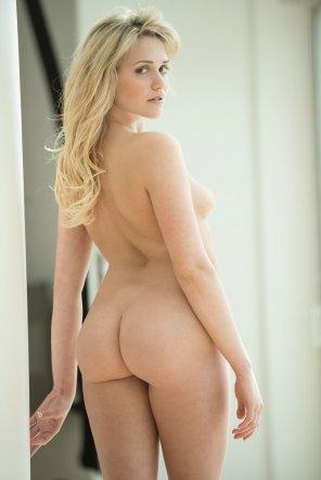 amateur photo Mia Malkova's perfect ass
