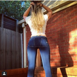 amateur photo Blonde en jeans