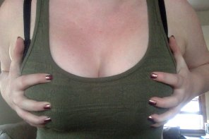 amateur photo Green top