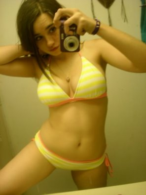amateur photo Sexy selfie in bikini showing off smooth, smooth skin