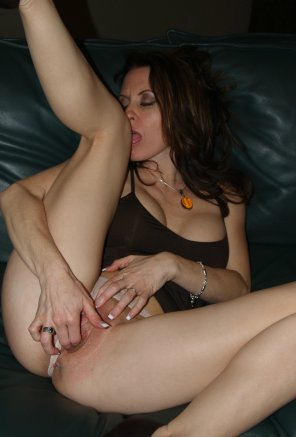 amateur photo Brunette milf