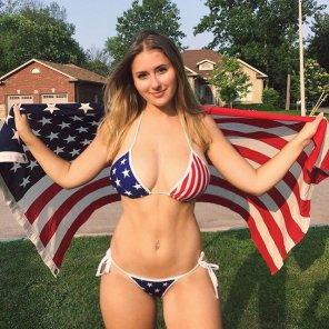 amateur photo Patriotic babe