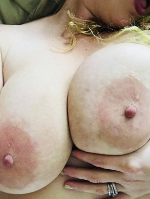 amateur photo My 38 Triple D's... dicpics and tributes welcome to pm or Kik. 💦😋😋