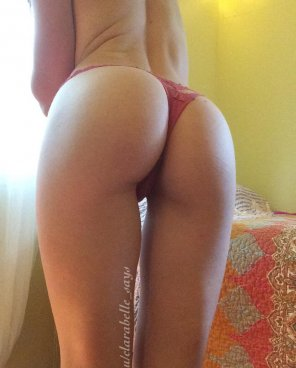 amateur photo little pink thong [oc]