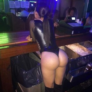 amateur photo Bartender Booty