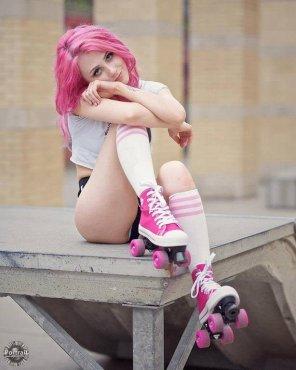 amateur photo Pink skates