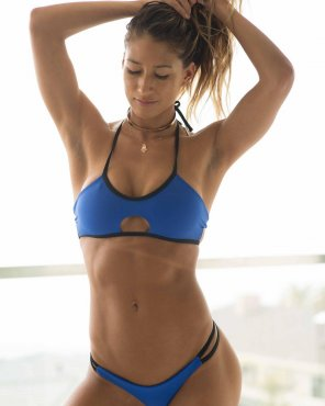 amateur photo Karina Elle