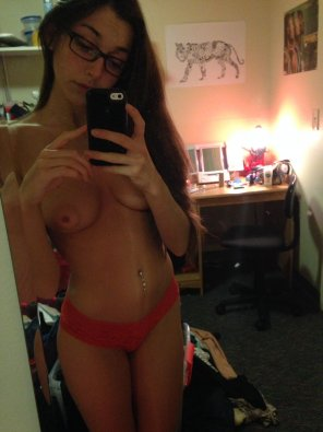 amateur photo Ghostnipple girl with glasses