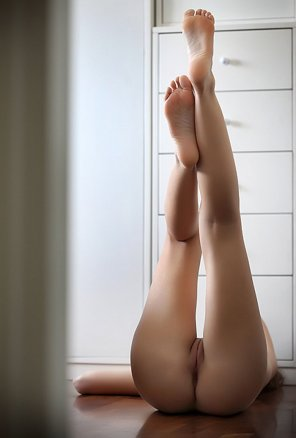 amateur photo Legs up
