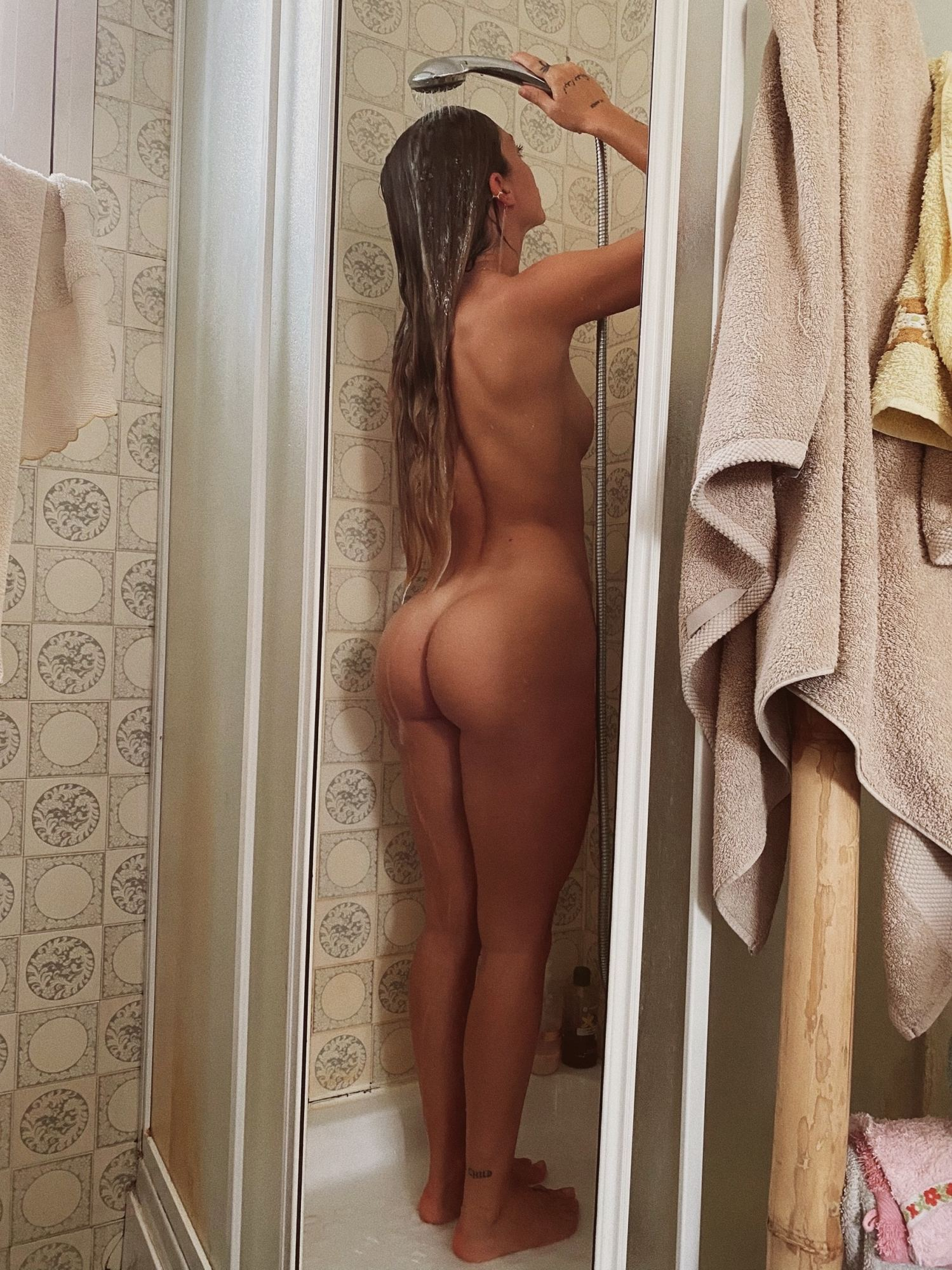 Nude pauline Paulina Gretzky