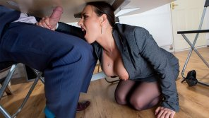 amateur photo Hardcore Porn Under The Table Deal – Mea Melone