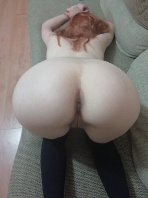 amateur photo another photo of my ass. want to cum inside? [F23]