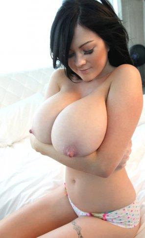 amateur photo soft big breast